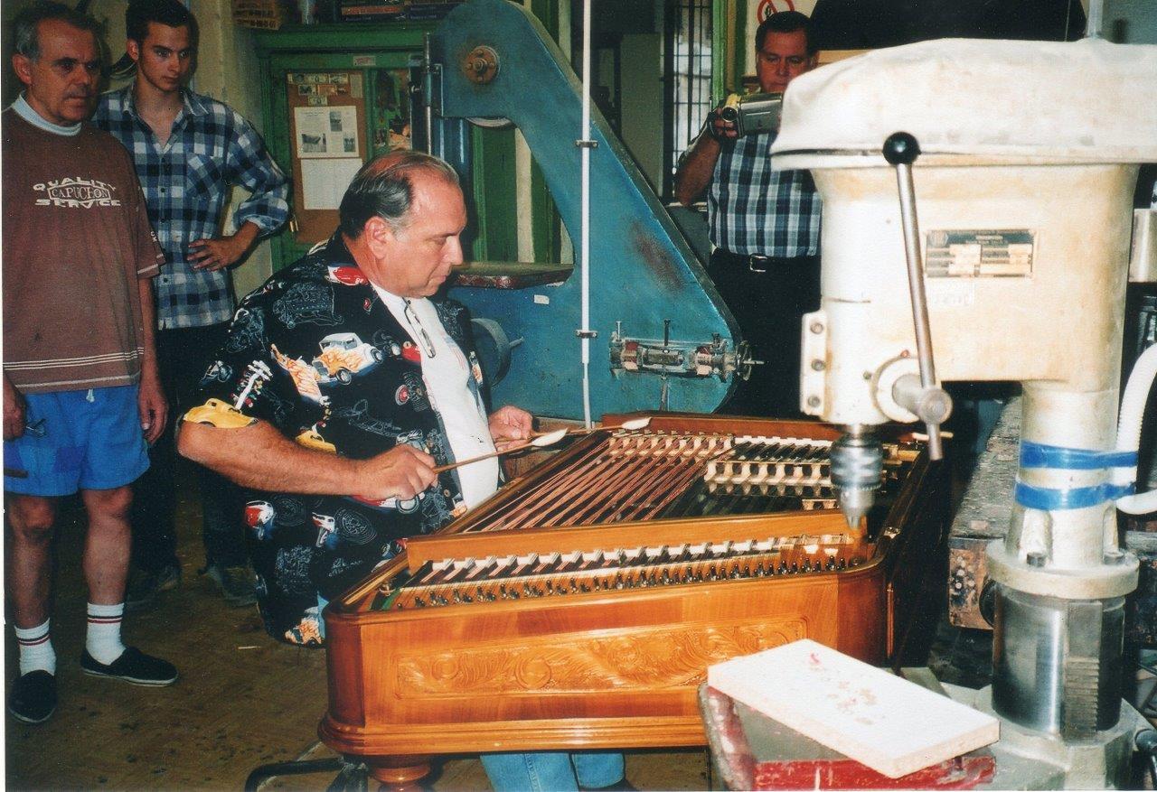 Kozmosz Cimbalom