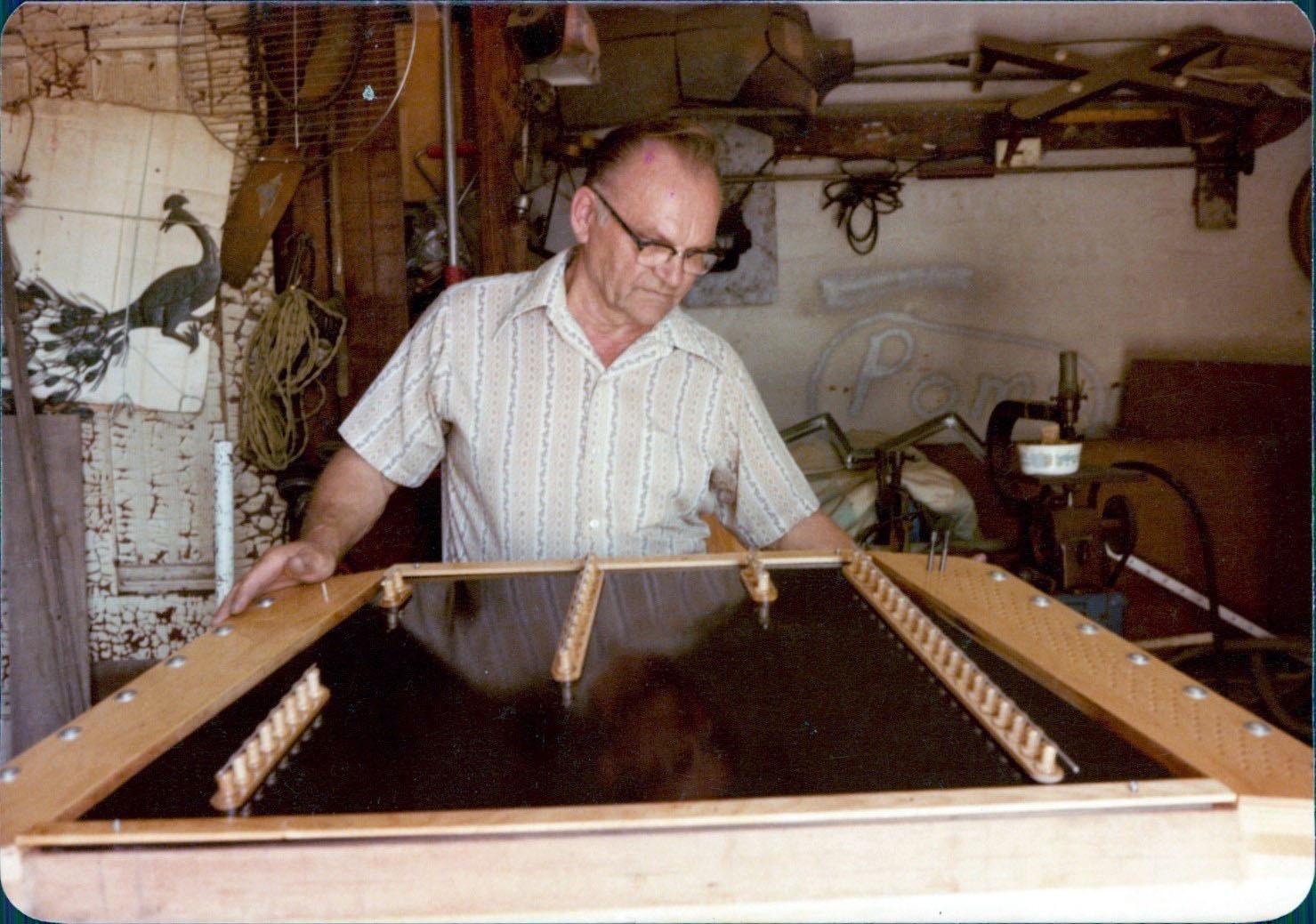 Bela in cimbalom shop